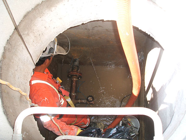 chemical grouting in pre-cast manhole segments